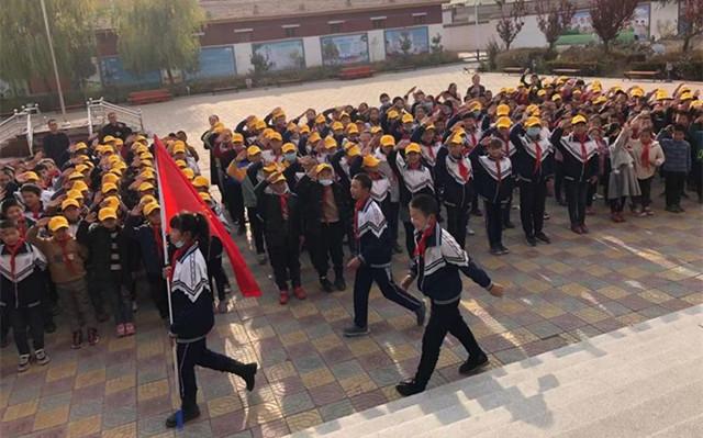 凉州区丰乐镇丰乐小学开展爱国主义 主题队会活动.jpg